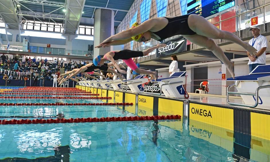 שחייה, איגוד השחייה, סימון דוידסון