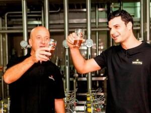 ג'וב מהחלומות: בן 26 נבחר לשמש כטועם הראשי של בירה גולדסטאר