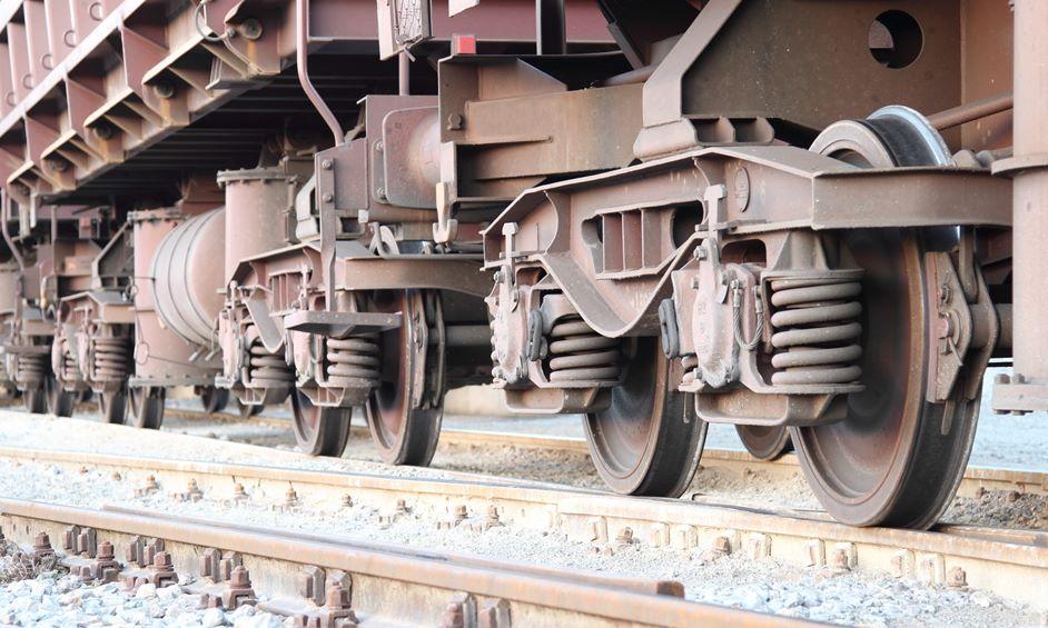 נתניה: אדם נלכד מתחת לרכבת