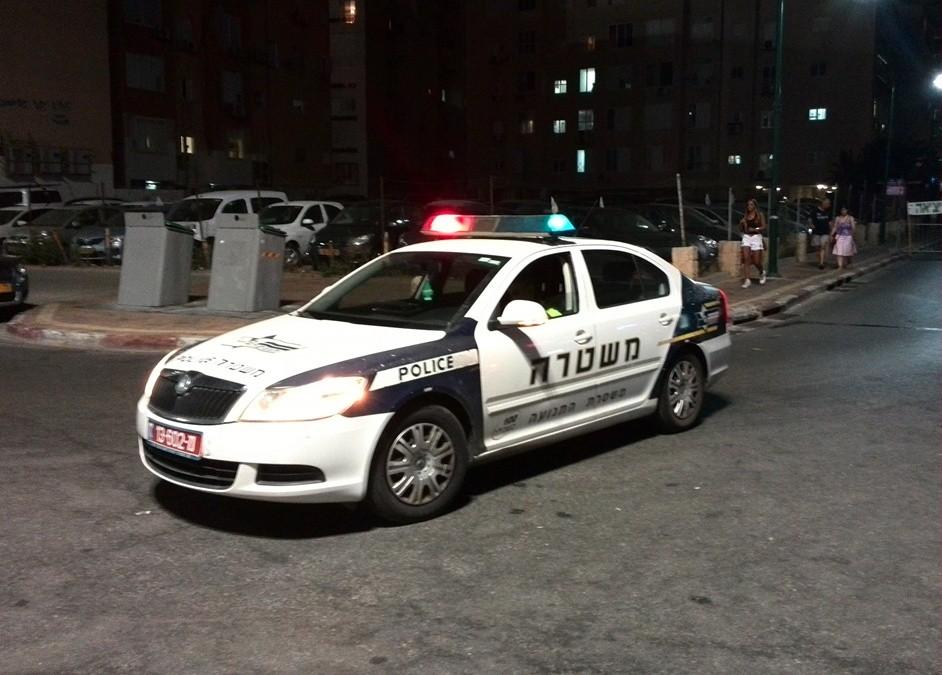 ניידת משטרה - תחנת משטרת נתניה