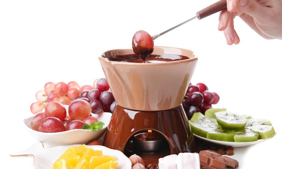פונדו שוקולד תפוז – המנה הכי חברתית שיש