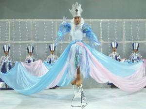 חוויה אחרת: מלכת השלג על הקרח