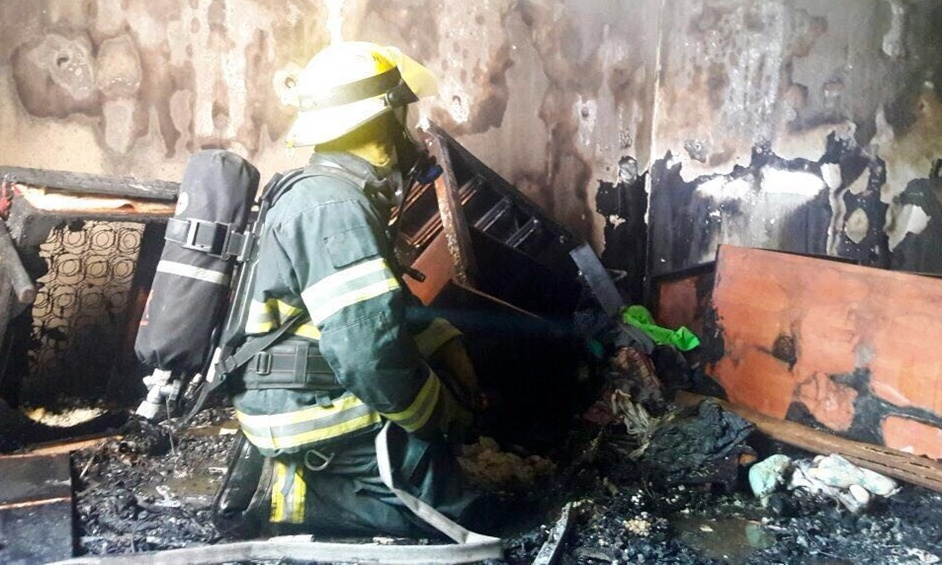 נתניה: לכודים חולצו משריפה בדירה
