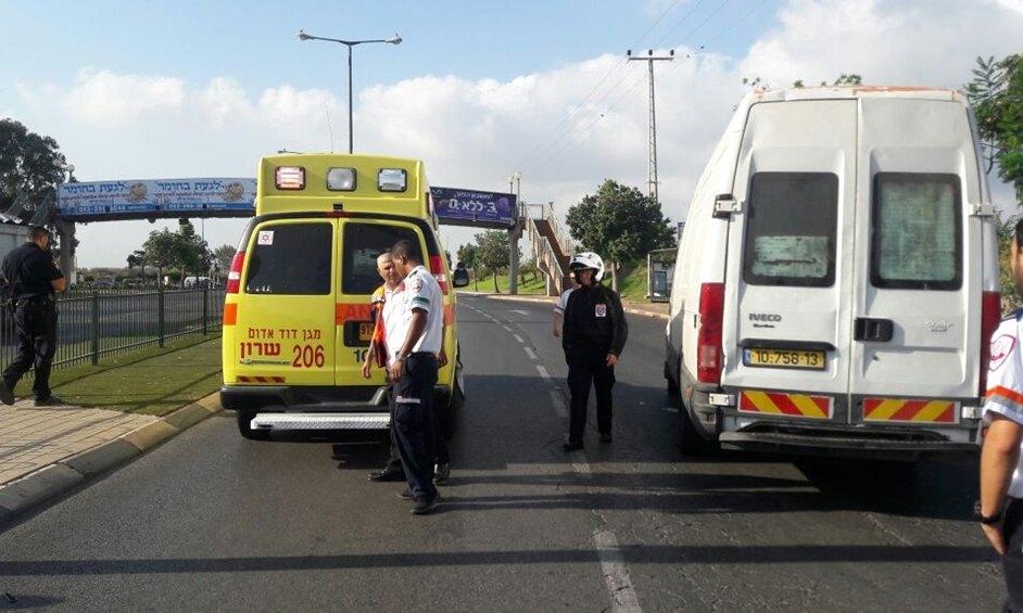 נתניה: הולך רגל נהרג מפגיעת רכב