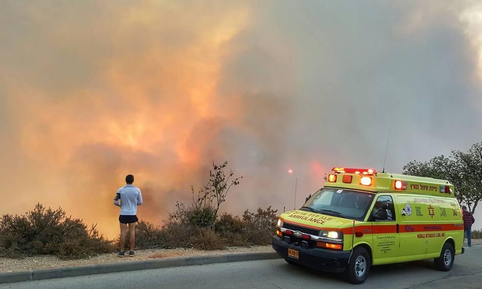 נתניה פותחת שעריה לנפגעי הדליקות בחיפה