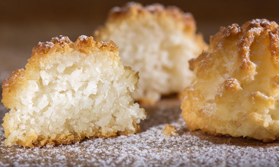 עוגיות קוקוס בשני מרכיבים