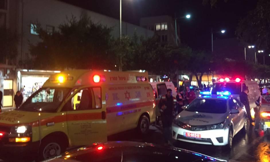 צעיר נפצע בינוני לאחר שנדקר במהלך קטטה