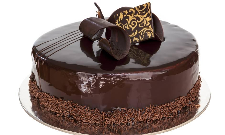עוגת שוקולד קלאסית ומי אמר יום הולדת…