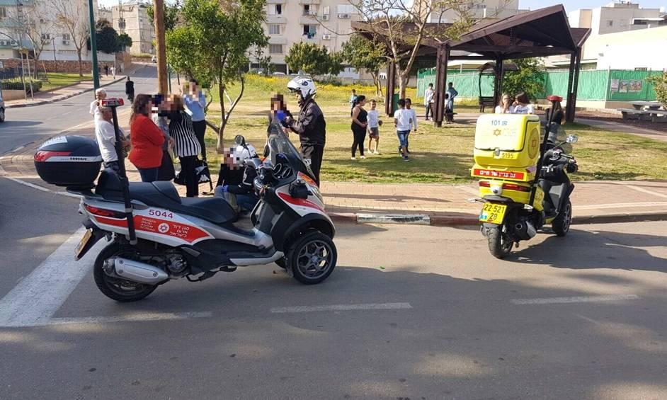 נתניה: בן 15.5 נהרג מפגיעת רכב