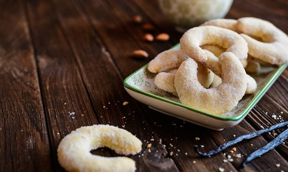 חוגגים פורים – עוגיות סהרוני וניל (סהרונים)