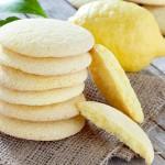 עוגיות חמאה ונגיעות לימון