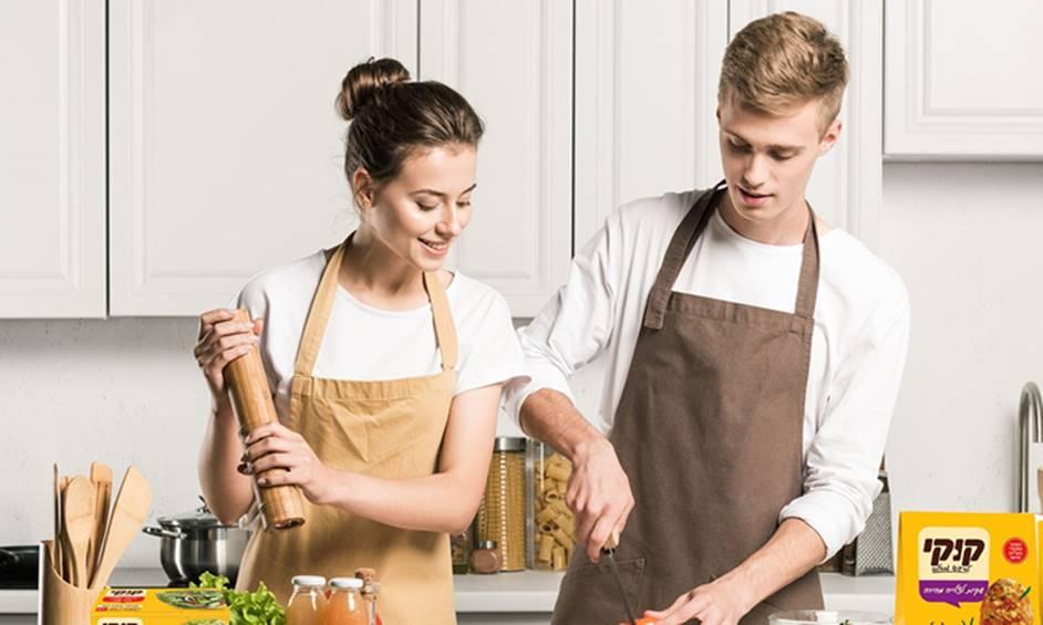 גברים מבשלים? סקר קוקי: האישה לא יצאה מהמטבח