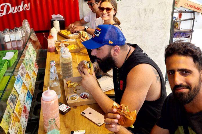 Dudes burgers - המבורגר שף הטוב בנתניה