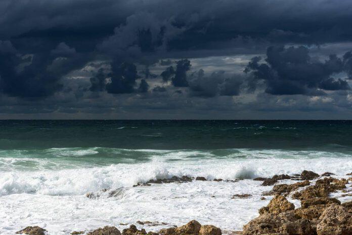 סערה בנתניה, חופי נתניה, גשם