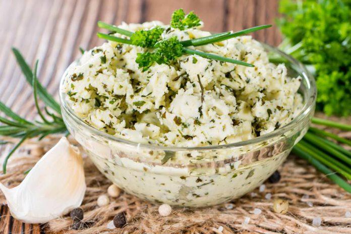 מתכון חמאה בטעמים - חמאה עם עשבי תיבול - נתניה מבשלת