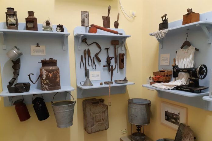 מוזיאון נתניה - חדר ראשונים המדמה חדר בימיה הראשונים של נתניה