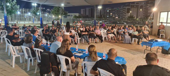 למעלה מ-100 תושבי שכונת שרונה השתתפו במפגש עם ראש עיריית כפר יונה והנהלת העירייה; התושבים קיבלו פירוט על העשייה המתוכננת
