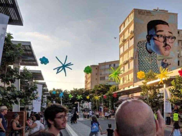 סיורי קולינריה בשוק העירוני נתניה, סיורי גרפיטי שצוירו על-ידי אמנים בינלאומיים ואפילו סיורי חופים ומוזיאון עירוני עמוס היסטוריה ופעילות חווייתית לילדים. נתניה מכל זווית